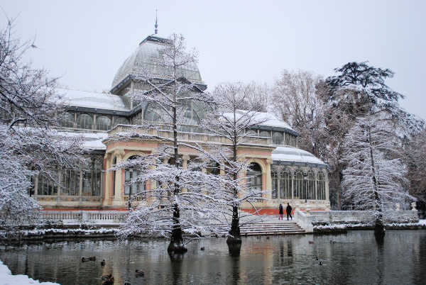 does it snow in madrid in winter
